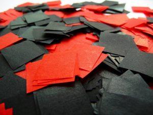 B1 Theaterschnee rot schwarz